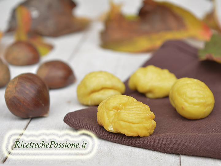 Come pelare marroni e castagne
